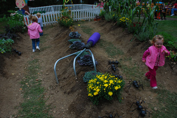 Kids in the Garden at Storywalk